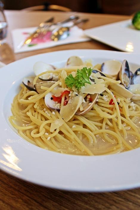 Spaghetti Alle Vongole($16)